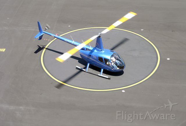 Robinson R-66 (N7061V)