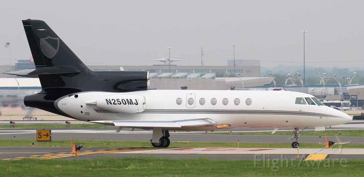 Dassault Falcon 50 (N250MJ)