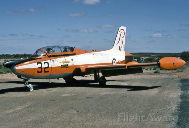 A7032 — - AUSTRALIA - AIR FORCE - COMMONWEALTH CA-30 (MB-326H) - REG : A7-032 (CN CA30-32) - BROKEN HILL NSW. AUSTRALIA -YBHI (24/4/1983)