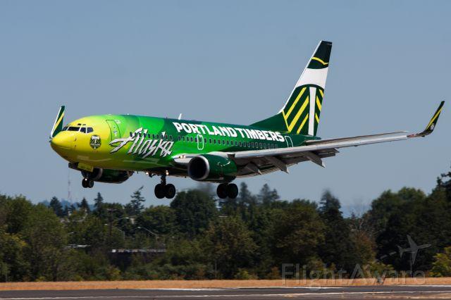 Boeing 737-700 (N607AS) - The Alaska Portland Timbers 737-700.