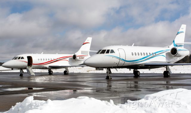Dassault Falcon 2000 (N48MF) - Falcons getting some sun.