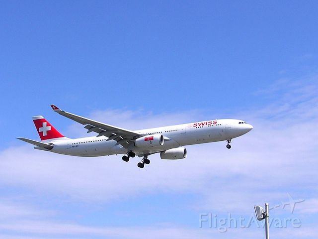 HB-JHI — - Zurich - Montreal, Saturday, April 27,2013br /Arrival at 2:57 PM EDT on final approach to Rwy 24R