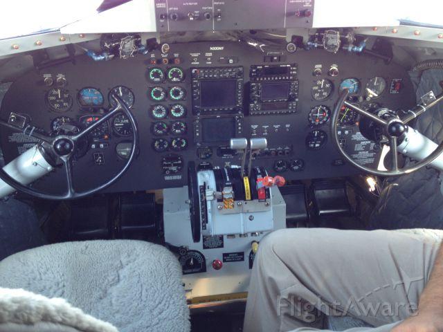 Douglas DC-3 (N500MF) - COCKPIT PICTURE