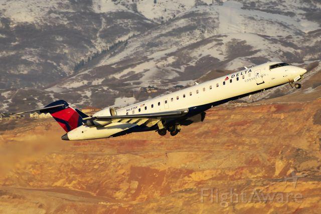 Canadair Regional Jet CRJ-700 (N631SK)