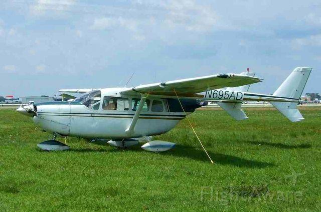Cessna 336 Skymaster (N695AD)