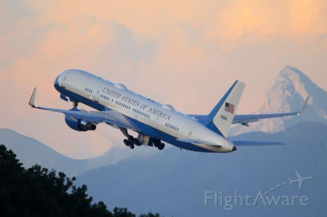 Boeing 757-200 (09-0016)