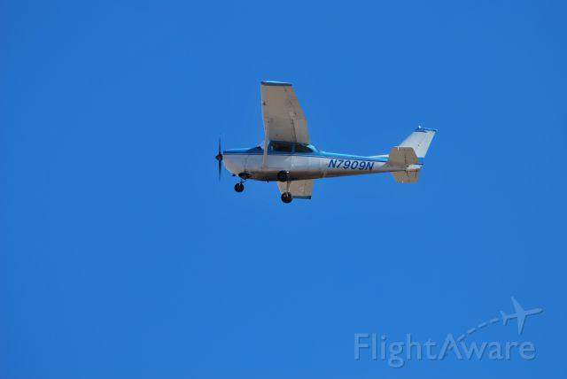 Cessna Skyhawk (N7909N)