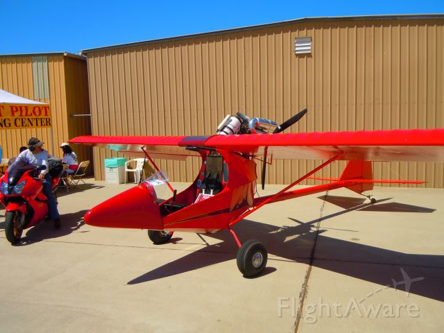 — — - Ultralight at Camarillo airport airshow 8/21/10 (saw a for sale sign on seat - 12.5k)