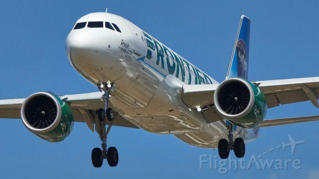 Airbus A320neo (N336FR) - 13R approach.