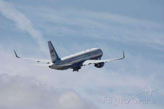 Boeing 757-200 (N90003) - Taken 3-23-13 Air Force 2
