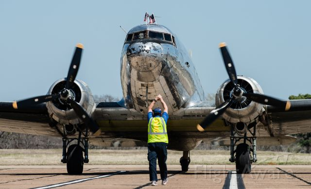 Douglas DC-3 (N346AB) - I was on the ramp at the Jet Center in Tyler Texas, having just landed myself when this old bird came in.