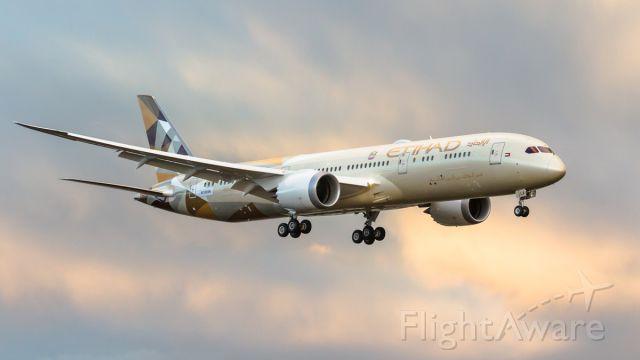 Boeing 787-9 Dreamliner (A6-BLA) - Etihad A6-BLA returning from test flight at KPAE