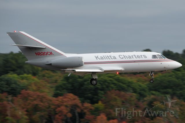 AMERICAN AIRCRAFT Falcon XP (N820CK) - Kalitta 251 on approach to 11 early on a Sunday morning.