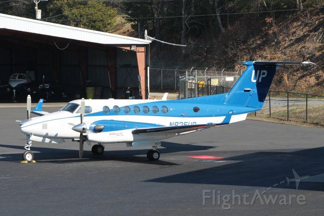Beechcraft Super King Air 350 (N825UP)