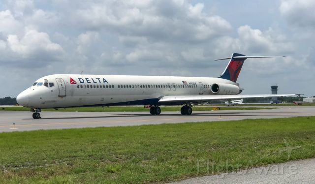 McDonnell Douglas MD-88 (N908DE) - Still can't quite get over how much I miss the MD-88.  Nothing will ever compare to the Mad Dog!