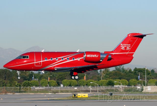 Canadair Challenger (N594RJ) - A very pretty C-600 landing at Long Beach on a sunny winter afternoon.