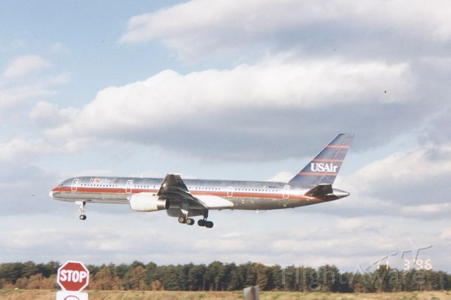 Boeing 757-200 — - USAir Boeing 757 about to touch down on runway 33L at KBWI