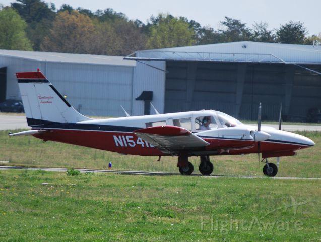Piper Seneca (N15412)