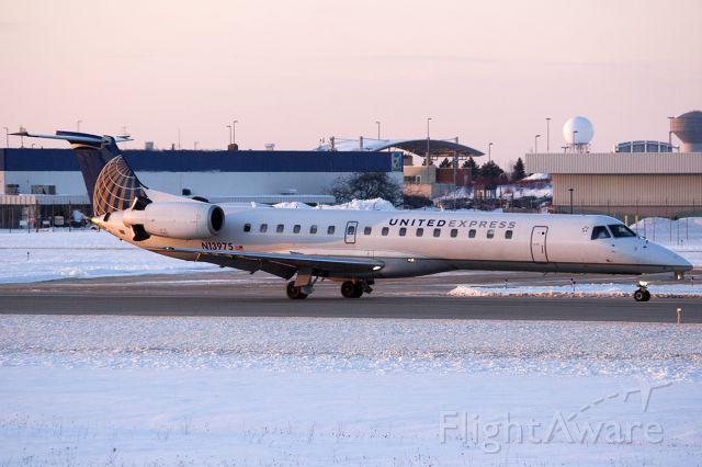 Embraer ERJ-145 (N13975)
