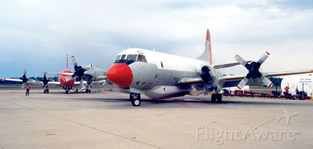 N921AU — - Tanker 21 (Before new Paint)  loaded with Retardant Returning to Fire and T-22 Still   loading