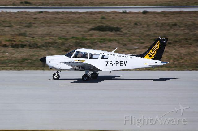 Piper Cherokee (ZS-PEV)