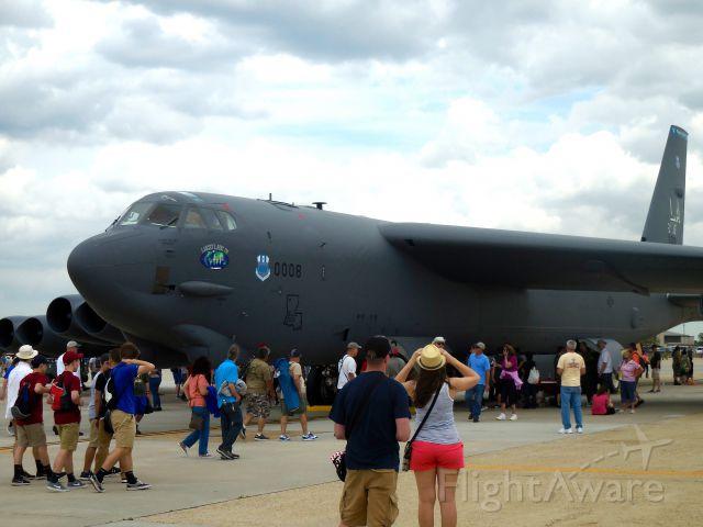 Boeing B-52 Stratofortress (60-0008)