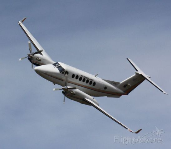 Beechcraft Super King Air 350 (C-GNLO)
