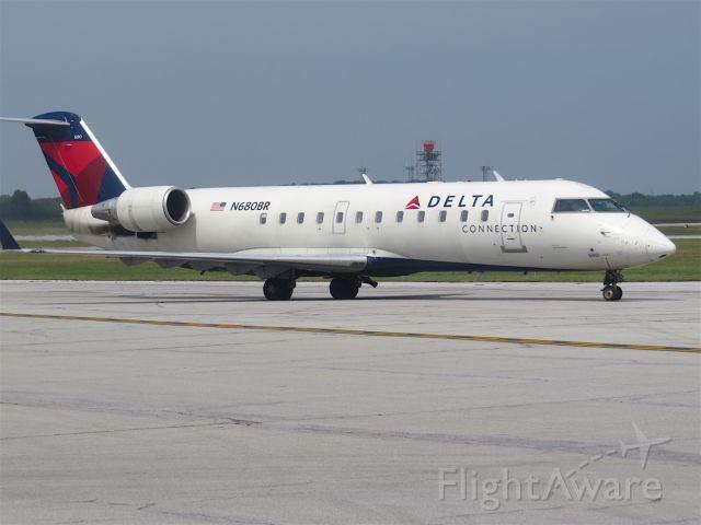 Canadair Regional Jet CRJ-200 (N680BR)