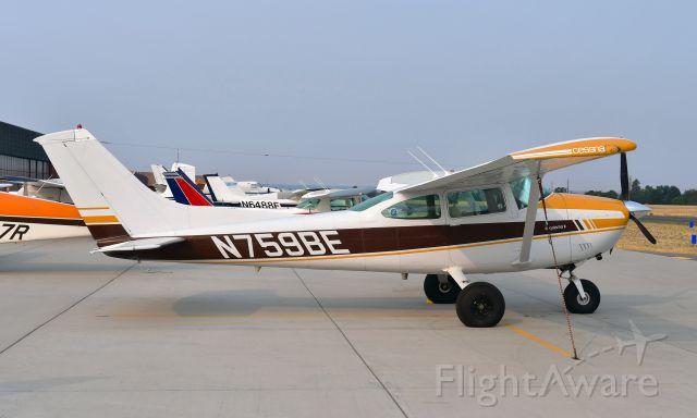 Cessna Skylane (N759BE) - Cessna 182Q N759BE in Spokane Felts Field