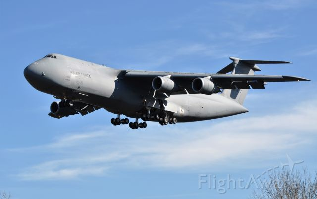 Lockheed C-5 Galaxy (N7038)
