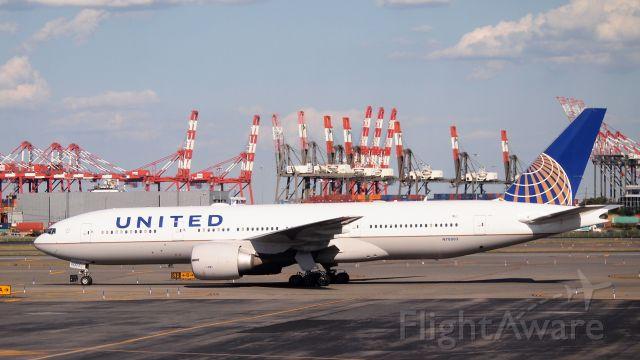 Boeing 777-200 (N78003)