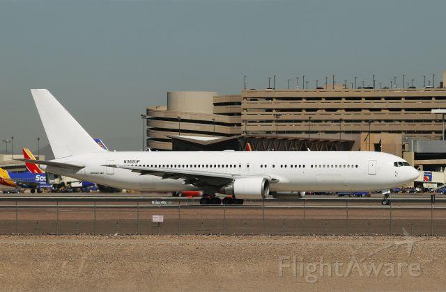 BOEING 767-300 (N362UP)