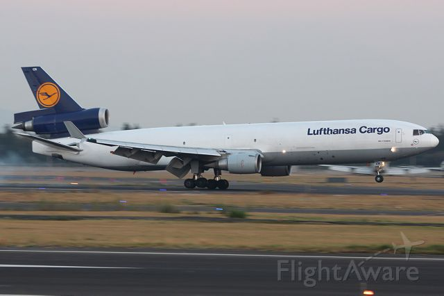Boeing MD-11 (D-ALCR)
