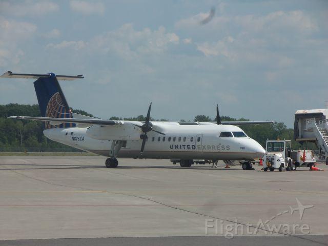 de Havilland Dash 8-100 (N876CA)