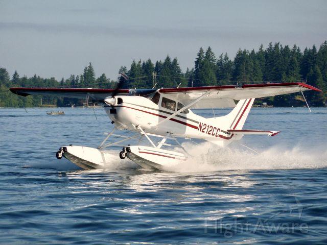 Cessna Skylane (N212CC) - Taking off from Lake Tapps WA