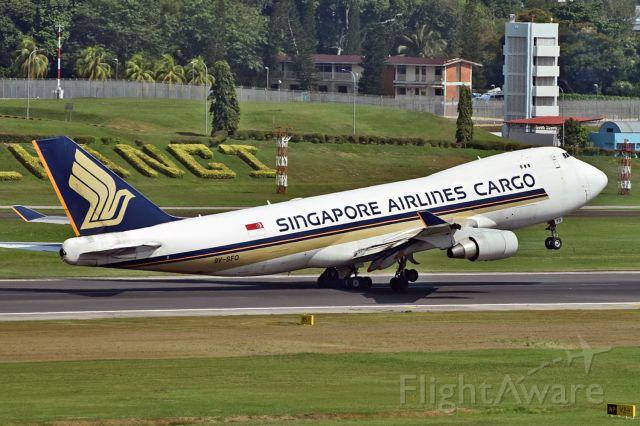 Boeing 747-400 (9V-SFO)