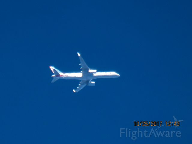 Boeing 757-200 (N941UW)