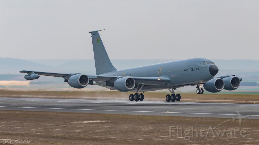 Boeing C-135B Stratolifter (F-UKCC)