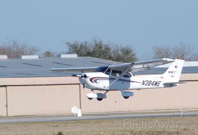 N384ME — - Landing 14 at KLVJ