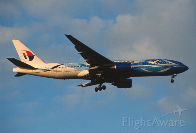 """Boeing 777-200 (9M-MRD) - Final Approach to Narita Intl Airport Rwy34L on 2005/11/13 """" Blue Freedom of Space c/s 2016/07/17 Crash """""""