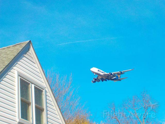 Boeing 747-400 (N409MC) - #300Viewsparty