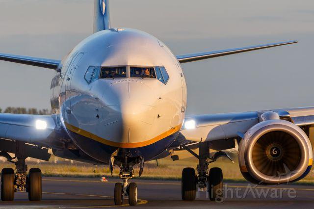 Boeing 737-800 (EI-FZA)