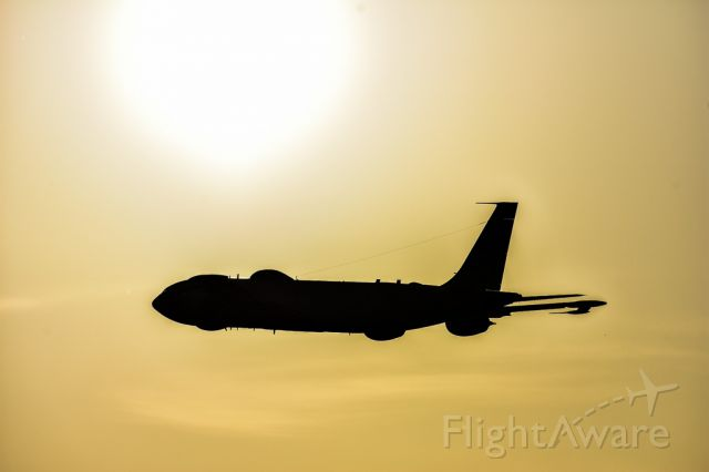 Boeing E-6 Mercury — - E6 flying right into the sun for a great shot.