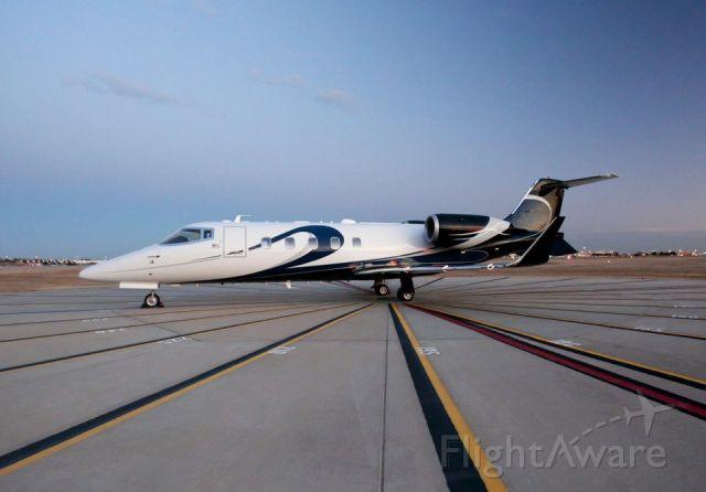 Learjet 60 (N724EF)