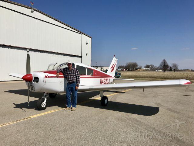 Piper Cherokee (N4320J)