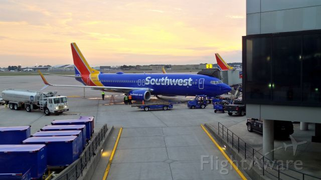 Boeing 737-800 (N8686A) - Sun rise over Southwest Airlines at Bradley airfield