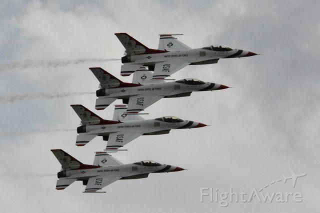 Lockheed F-16 Fighting Falcon — - USAF Thunderbirds at Joint Base McGuire-Dix-Lakehurst Air Show; May 2016.