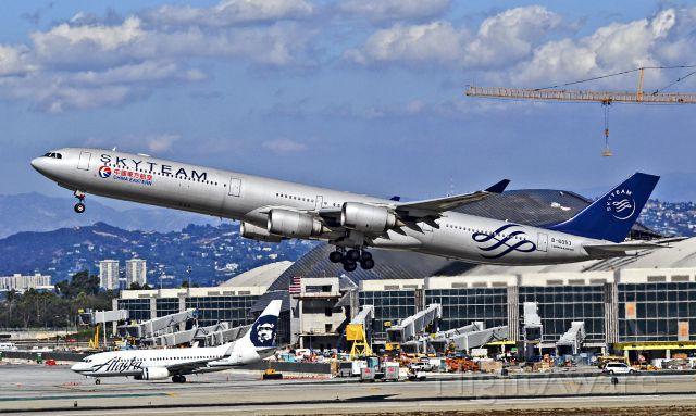 Airbus A340-600 (B-6053) - B-6053 SkyTeam (China Eastern Airlines) Airbus A340-642 (cn 577)  Los Angeles - International (LAX / KLAX) USA - California, October 23, 2012 TDelCoro