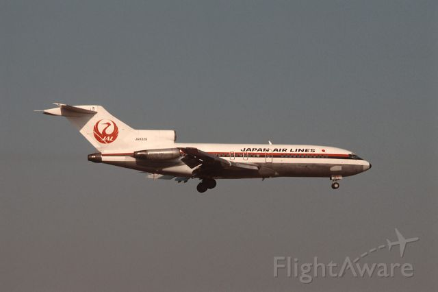 Boeing 727-100 (JA8326) - Final Approach to Narita Intl Airport Rwy16 on 1987/04/05