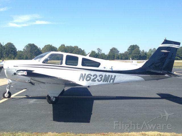 Beechcraft Bonanza (33) (N623MH)